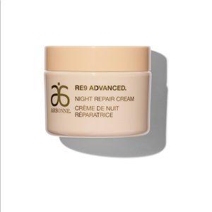 RE9 advanced night repair cream